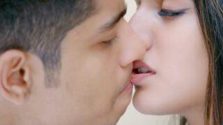 Priya Prakash Romantic Whatsapp Status Video Download 2020
